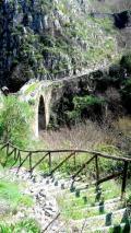 Il sentiero delle Ripe con l'antico ponte medioevale (1100 d.c.)
