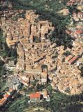 Veduta aerea del centro storico di Penne