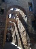 Gli archi di via della Galluzza